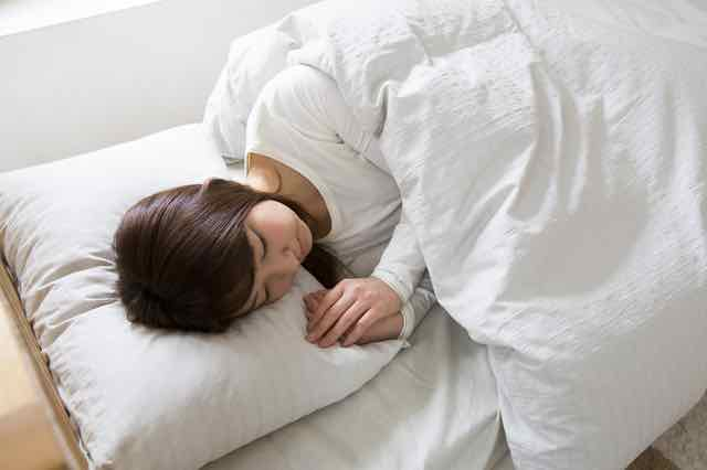 長時間睡眠による腰痛