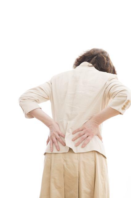 腰の骨の痛み