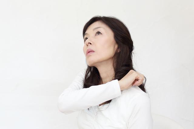 肩こりが原因の症状